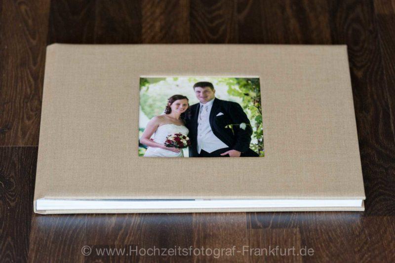 Hochzeitsfotobuch / Hochzeitsbildband im großen Querformat: mattes Leinen