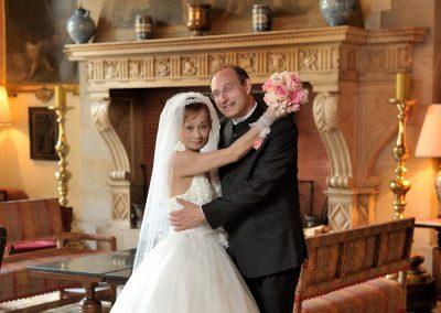 Hochzeitspaarfotos im Innenraum