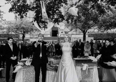 Hochzeitsfoto mit Tauben in Mainz