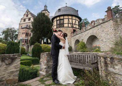 Hochzeitspaar in der Burg Kronberg